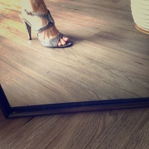 Enzo Angiolini heels size 6. Only warn once.